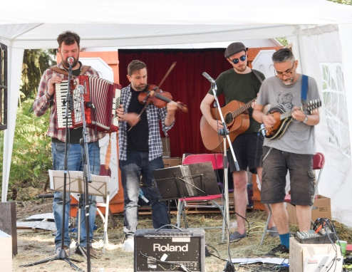 The Black Smock Band in Mobile Incitemement, Latitude Festival
